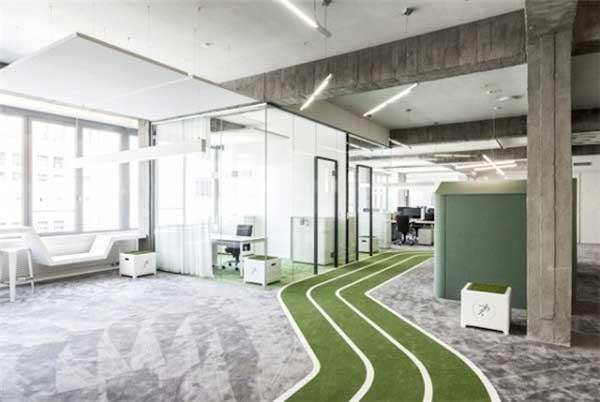 足球创意办公空间设计图片