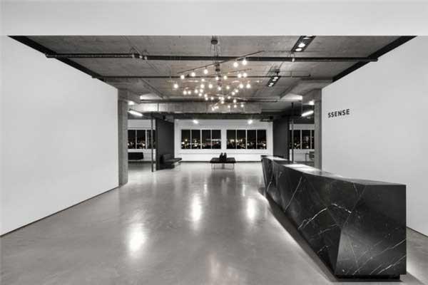 黑白极简风格的ssense办公空间设计1