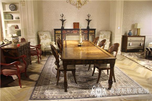 艾默生长餐桌