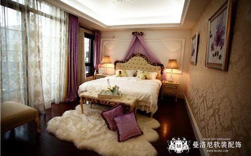 淡紫色法式田园风格布艺抱枕